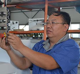 服务部电气工程师 刘工